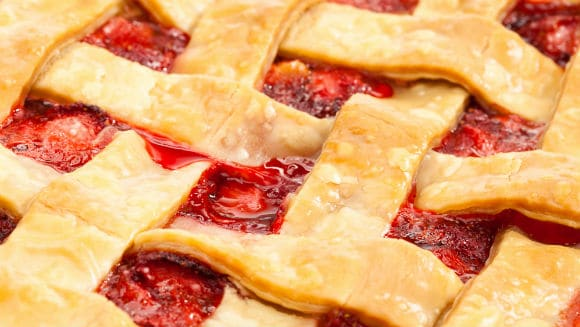 easy strawberry rhubarb pie with lattice top