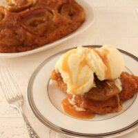 Deliciously Easy Upside Down Apple Cake Recipe