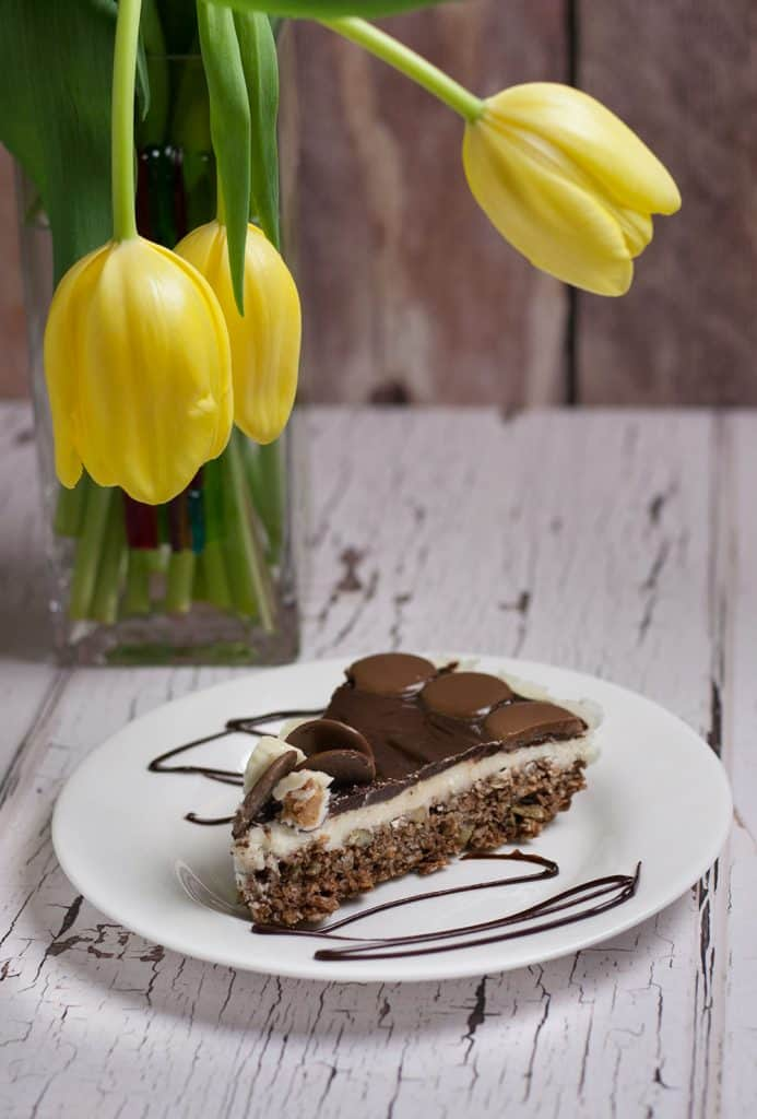Nanaimo Bars are a Canadian Classic, Pielady Bakes takes this easy nanaimo bars recipe and kicks it up a notch with delicious peanut butter & chocolate!