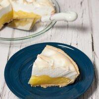 Homemade Lemon Meringue Pie | Lemony Delicious!