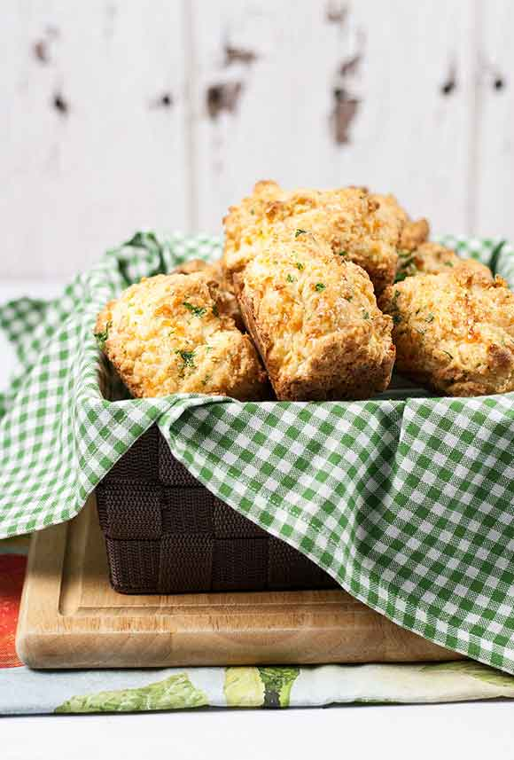 Easy Cheddar Bay Biscuits Recipe | Red Lobster Copycat