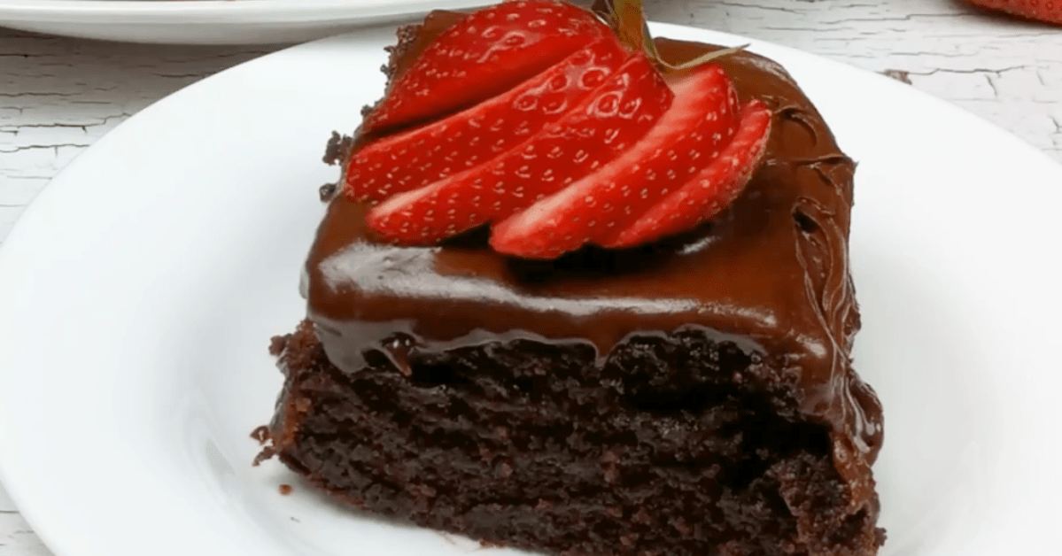Old Fashioned Chocolate Mayonnaise Cake Recipe | Grandma's Best!
