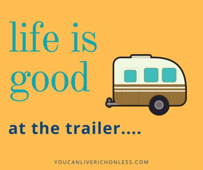 Could You Live In An RV Full Time? Full Time RV Living is very popular! Have you every wondered what it would be like to live in an RV full time? Full time RV Living is affordable too! #pieladybakes.com #motorhome #fifthwheel #trailers #rvliving #fulltimervliving #rvlife #fulltimervlivinghacks #fulltimervlivingtips #retirement #lifestyle #withpets