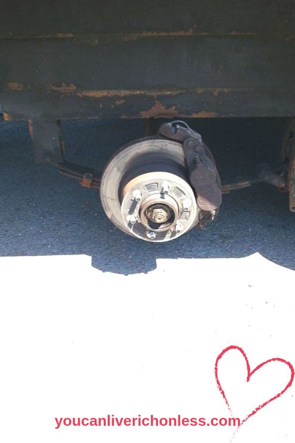 picture of trailer hub without a wheel