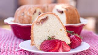 strawberry cream cheese pound cake feature