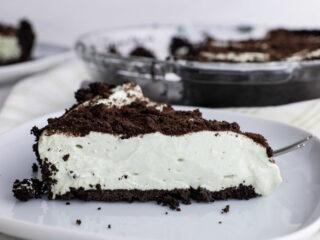 No Bake Grasshopper Pie recipe feature